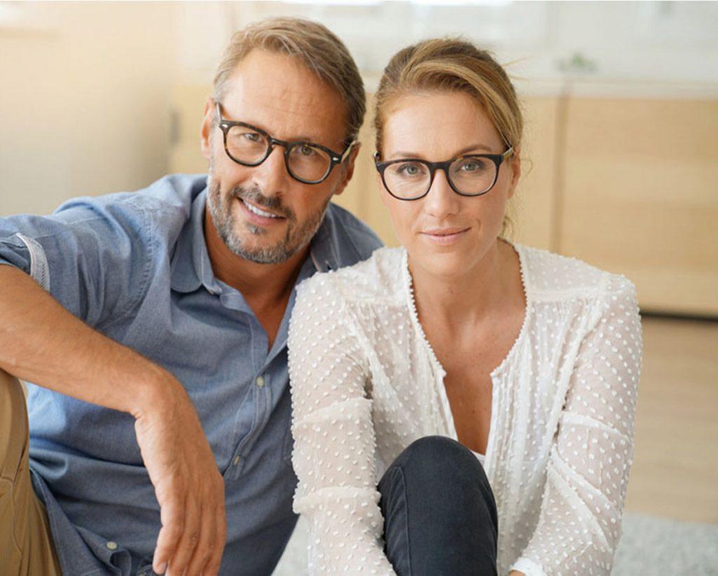 coupke montures de lunettes qui présentent les produits exavue optometriste opticien paris